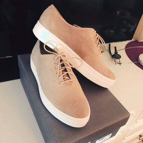 f9f5d2d87 Cream and white suede vagabond sneaker trainers size 3 - fit - Depop