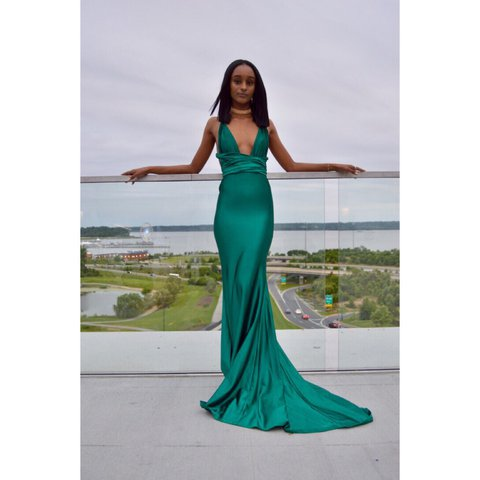 bba68037c4 Exclusive Emerald green gown. Only wore it once for a few of - Depop