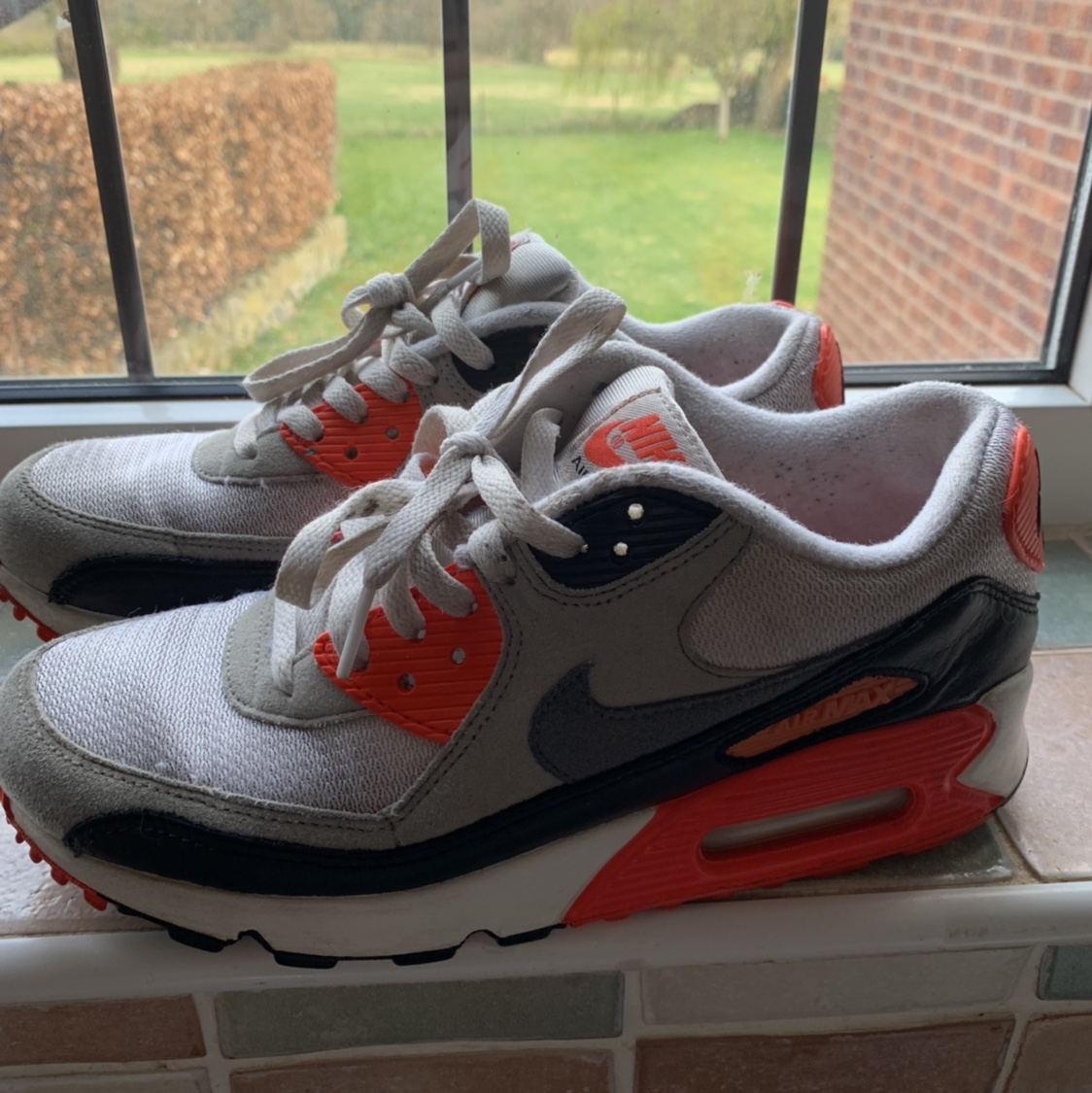 Nike Air max 90 infrared size 5.5. Worn a hand full...