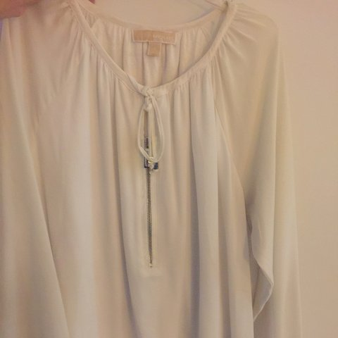 08a9b45915233 Beautiful slightly used Michael Kors top! Perfect for a or - Depop