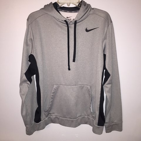 351e8a2c4cb2 gray and black nike therma fit hoodie. size men s medium