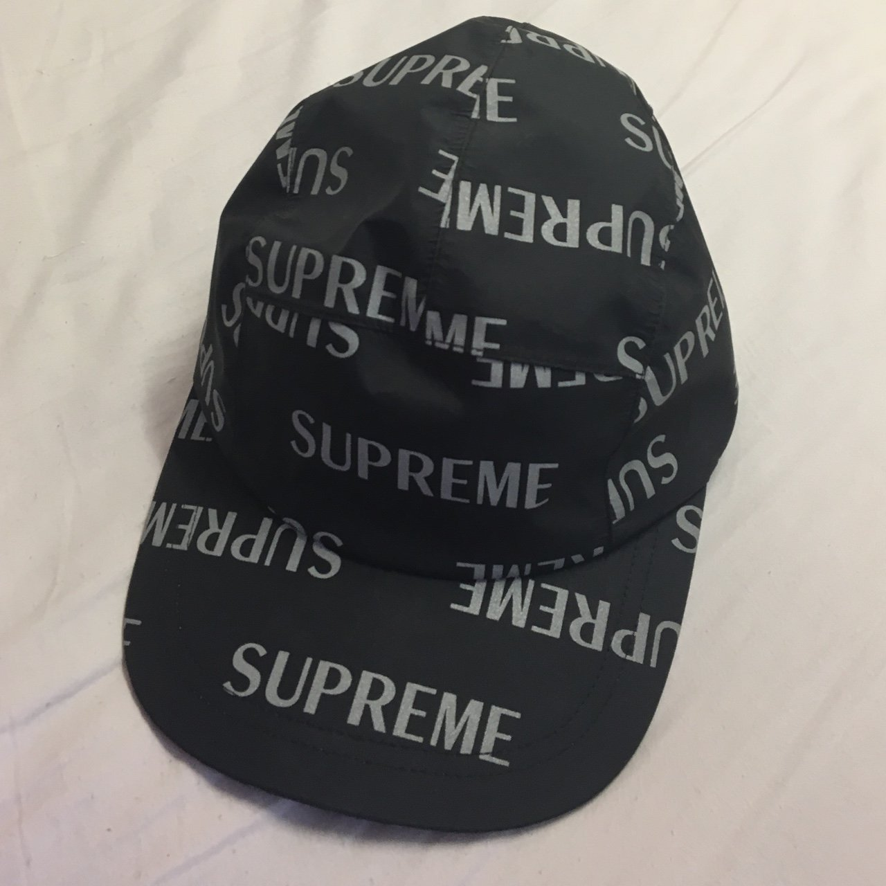 Supreme 3M reflective hat in a great condition 70e86376c89