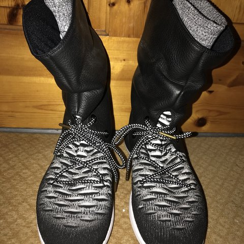 the best attitude bc5e3 a8238  blackadaberry1970. 5 months ago. Leeds, United Kingdom. Nike Roshe Two High  Flyknit Ankle Sneaker Boots ...