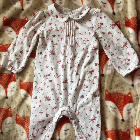 1868a0a86 Little White Company Floral Collar Sleepsuit - Brand New - 0 - Depop
