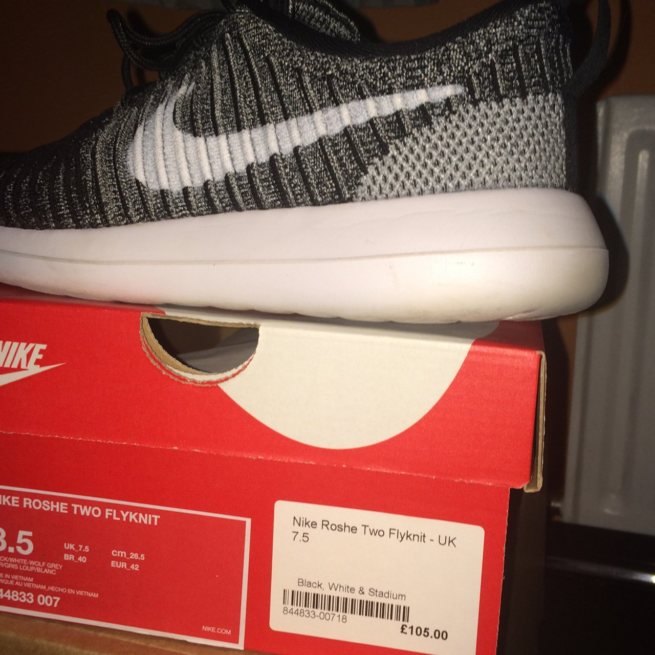 41862ba26a02 Nike Roche Flyknit UK size mens 7.5 (can fit 7 or 8 too). as - Depop
