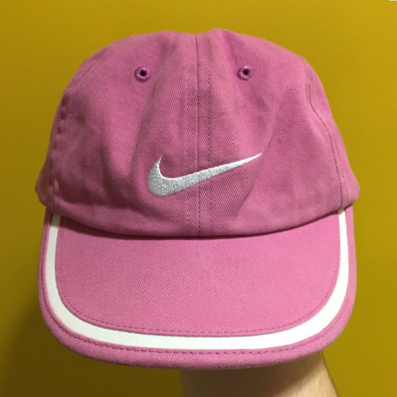 6d63d2f5e3bc4 🏁 Baby pink Nike cap 🏁 10 10 condition 🏁 Size  s m strap - Depop