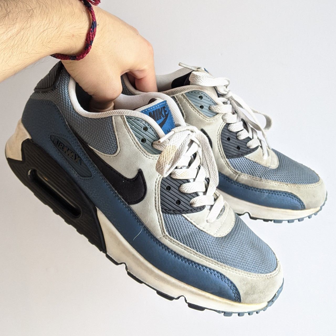 ☑️ 2014 Nike Air Max 90 Essential Trainers in Grey...