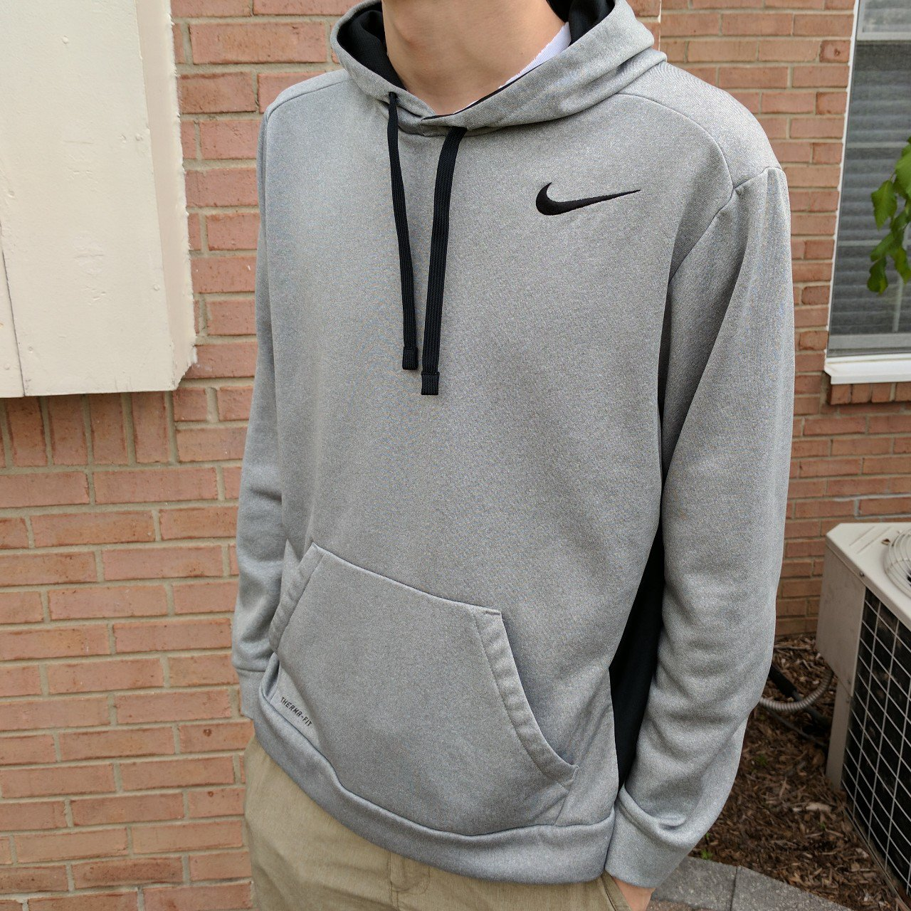 save off e9996 bfab2 Men s Nike therma-fit hoodie. Modeled on a men s large and a - Depop