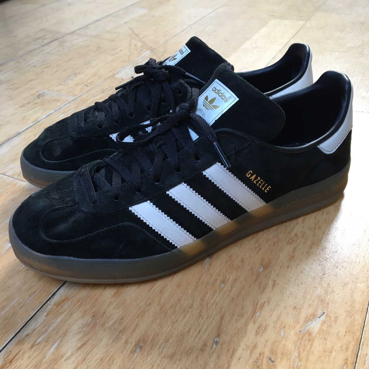 Adidas Gazelle black suede with gum sole. Perfect...
