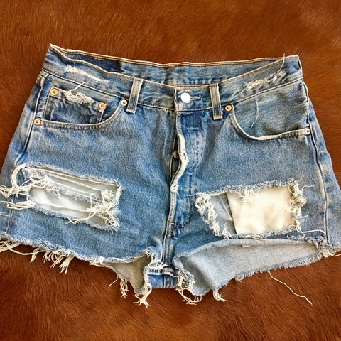 8a710f3a47 @jewishjen. 2 years ago. Atlanta, United States. LEVIS CUTOFF SHORTS SIZE L  (from Urban Outfitters)