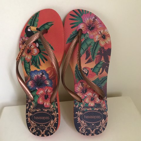 d11d75d45 Brand new havaianas flip flops size 39 40 which is a U.K. 6 - Depop