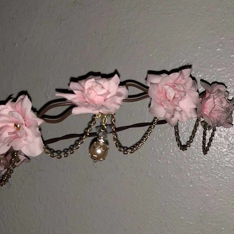 Claires Flower Crown Bundle Two Cute Flower Crowns Never Depop