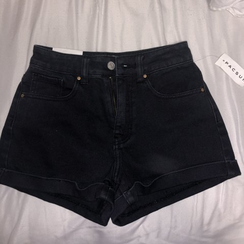59ab5a66d8 @stellavv. 5 months ago. Flagstaff, United States. Brand new never been  worn black high waisted jean shorts from Pacsun tag still attached