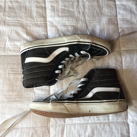 93a13113d @inesmarie. 8 months ago. Rancho Cucamonga, United States. Old skool high  top vans.