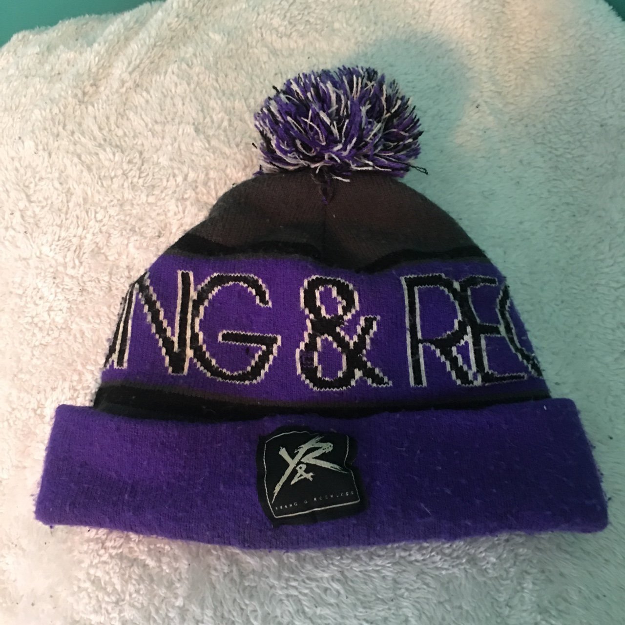 Young   Reckless beanie • Conditions  Great 45a95cd2dd7