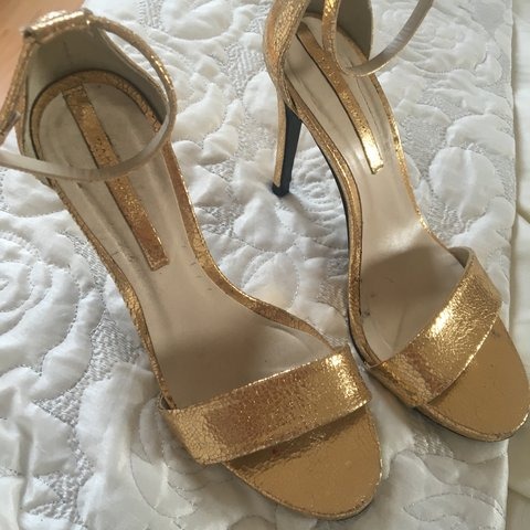 738485ca0 ZARA gold strappy heels in gold, only worn once ✨ extremely - Depop