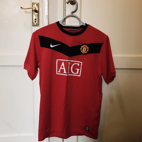 281080e85 @jessiecumming. last year. London, United Kingdom. Manchester United  Football Top! Nike Dri Fit. Excellent condition, worn ...
