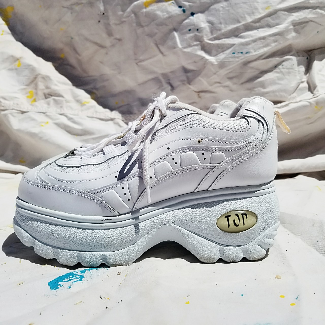 90s CHUNKY WHITE PLATFORM SNEAKERS