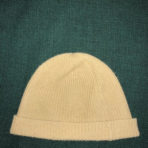 1a2d0f3989552 100% Cashmere beanie from uniqlo.  uniqlo  hat  beanie - Depop