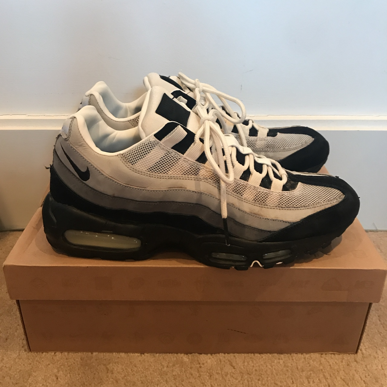 new arrival 05b90 db7f3 Air max 95 north London edition from 2012. Well Worn... - Depop