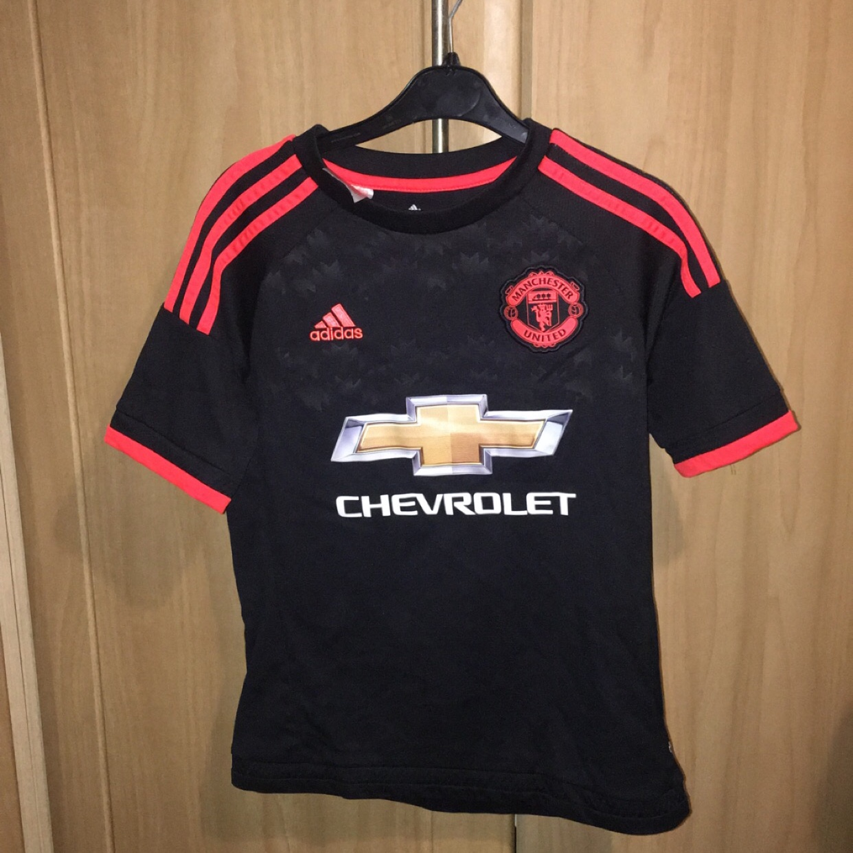 new style 14bb8 3d608 Manchester United away kit 2015-2016. Size 11-12... - Depop