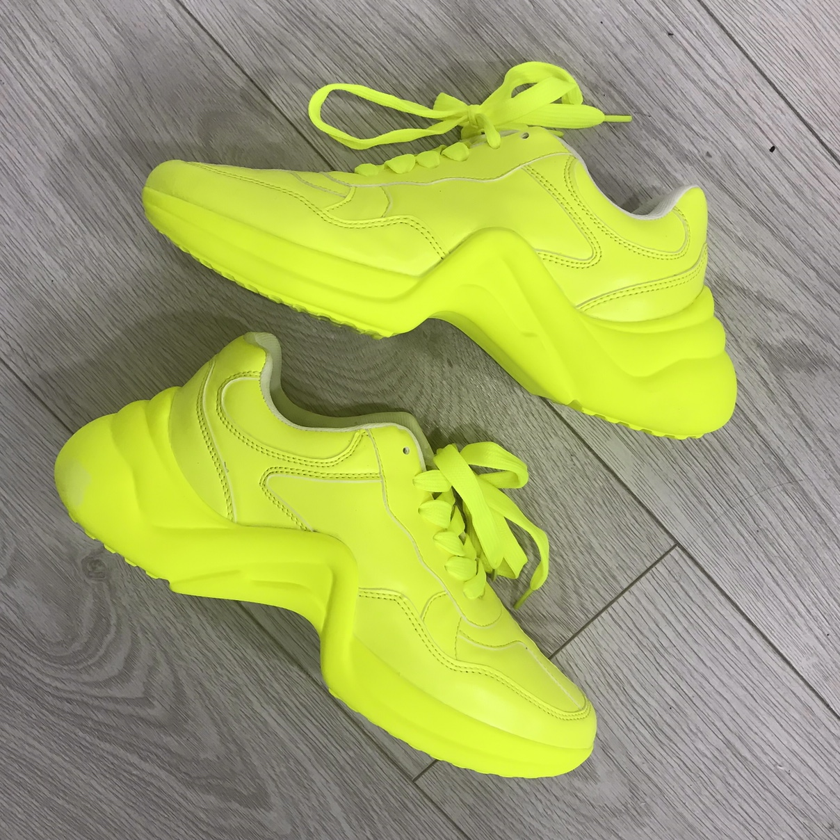 neon chunky trainers size 6 brand new