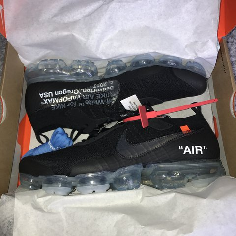 00e781d4371 Nike x off white vapormax Supreme condition just purchased - Depop