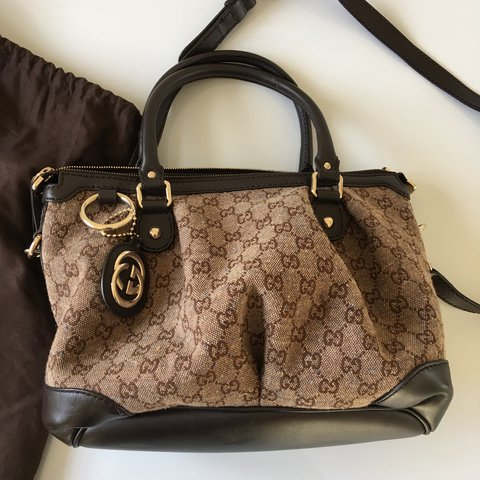 89d0867df303  zinniacouture. 11 months ago. United Kingdom. Excellent condition  Authentic Gucci bag.