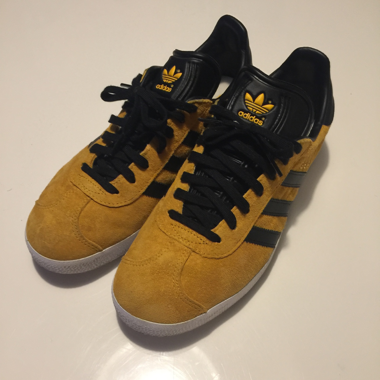 Adidas Gazelle yellow and black , Only worn a couple...