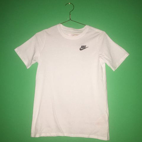 I Am Selling For 20 Pounds Plain White Nike T Shirt With On Depop
