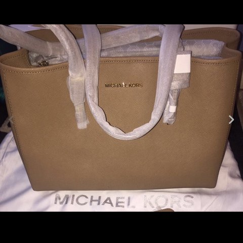 c9f51b27554b30 @beautybargainss. 2 years ago. London, United Kingdom. Brand New Authentic  Michael Kors Bag ...
