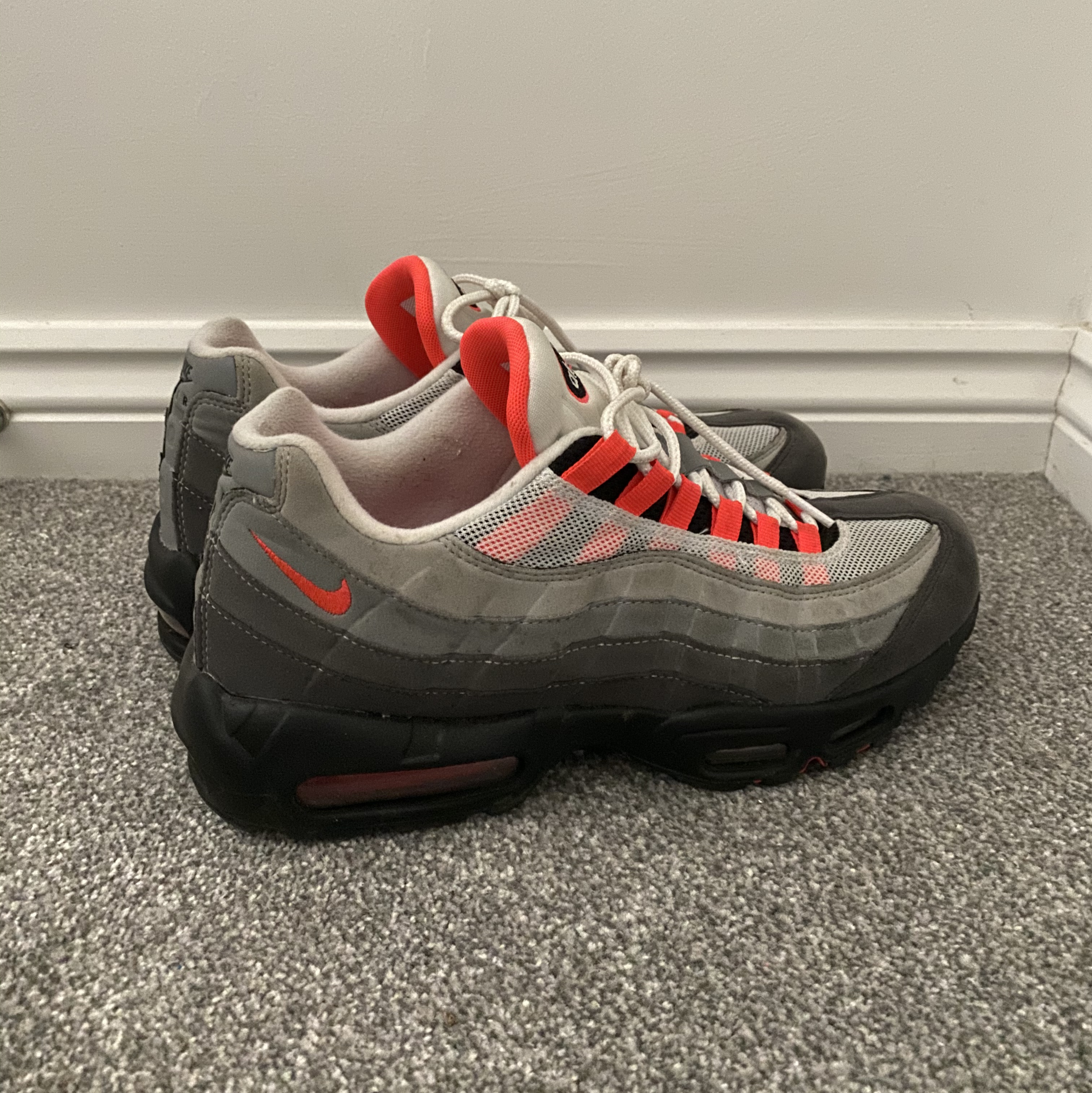 Nike air max 95 Solar Red UK10 , Condition - 7/10....