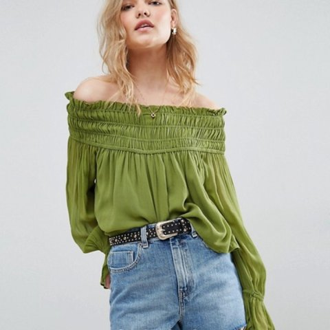 2f49c9e2eded01 ✨Green off the shoulder Bardot top from ASOS✨ size 4 House - Depop