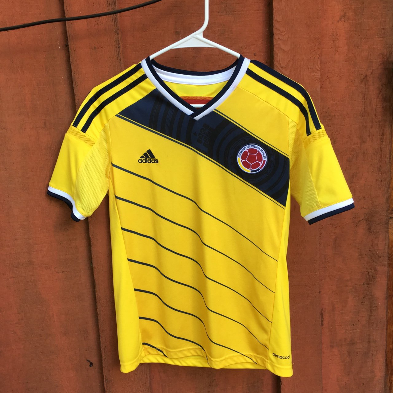 Real Replica 2014 Colombia World Cup Jersey by Adidas 🇨🇴 L - Depop 0d84741b6