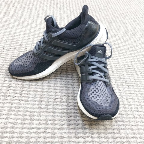 bce9804d5 Black and grey ultra boost 2.0 UK size 8