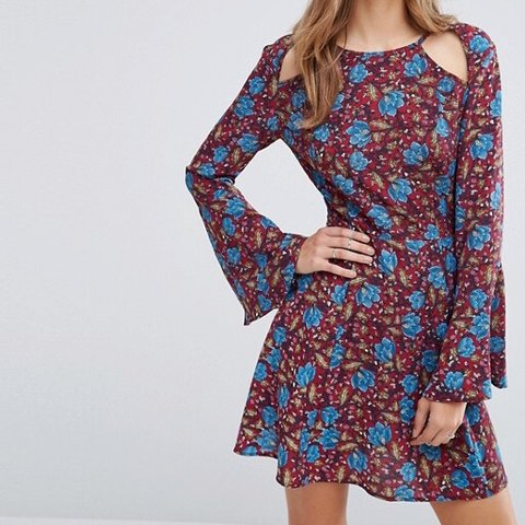 8227fcadee38 @rachingamells1992. 5 months ago. Southampton, United Kingdom. BOOHOO  FLORAL COLD SHOULDER SWING MINI DRESS ...