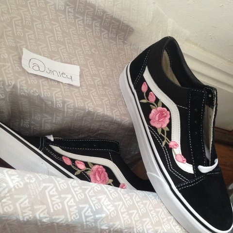 13c2289693  jinley. 2 years ago. United Kingdom. Pink rose Embroidered Old Skool Vans.