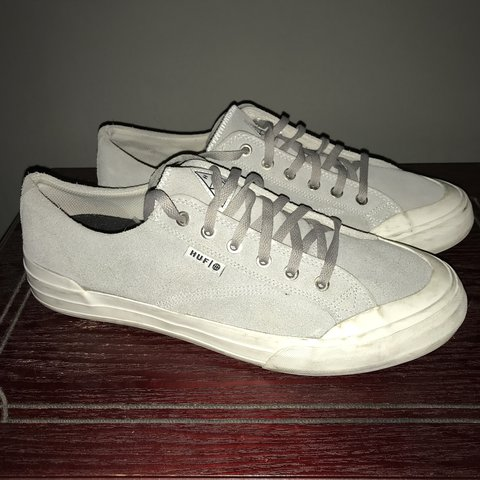 7319096e3f1 Huf classic Size 9.5 Grey suede Sole is a little dirty
