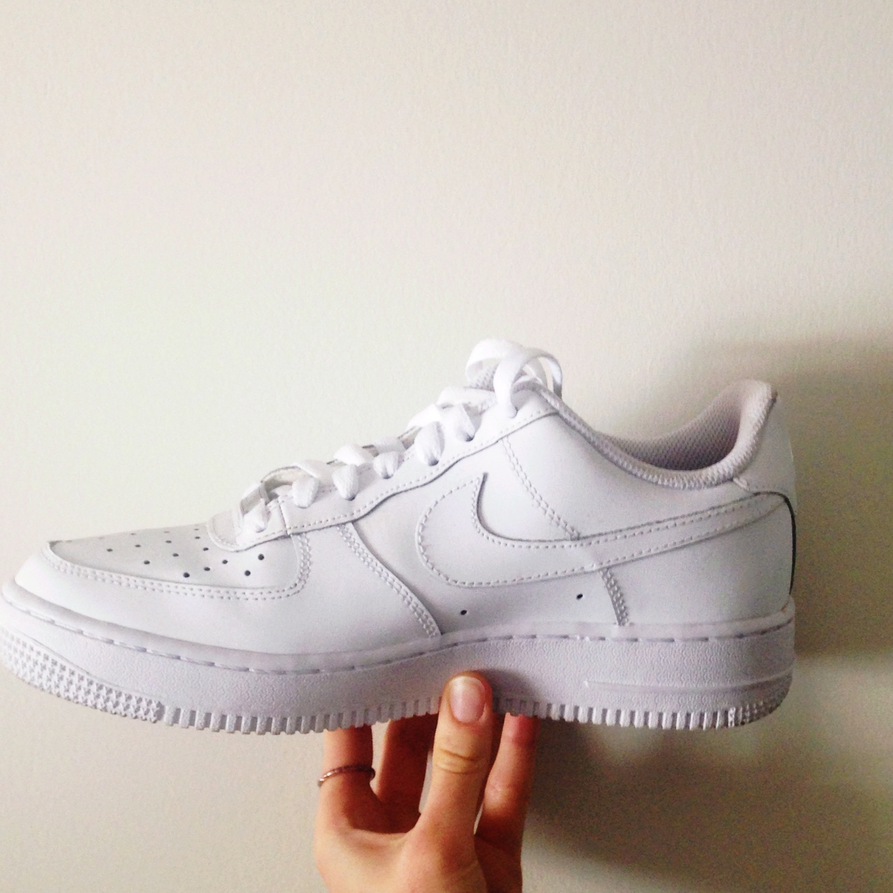 Women's White Nike Air Force 1 Size 7.5