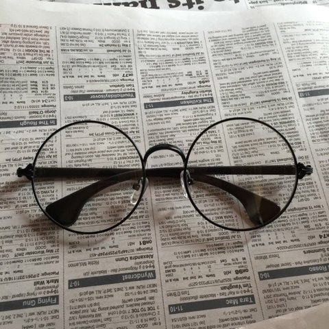 3ac45513f5  dixiedivine. 3 years ago. United Kingdom. Love these!    Black round  framed clear lens retro style glasses    brand new ...