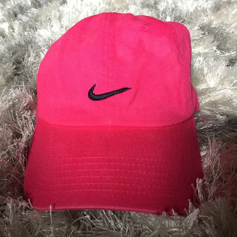 f233a892b0a03 HOT PINK NIKE CAP. used but in good condition  nike  hat - Depop