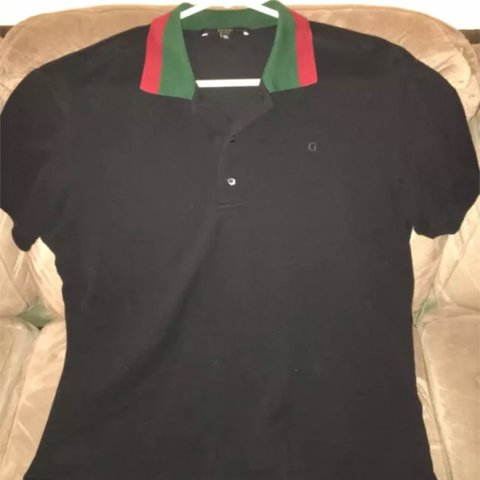 18d2dddd @melifernandez0413. 2 years ago. Sunrise, United States. Gucci Men's Polo  Shirt Color: Black Collar: Red & Green