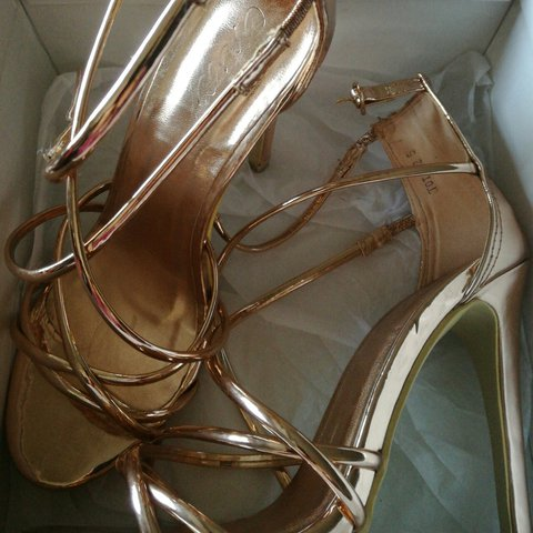 32a042ce494a Selling these rose gold heels worn once come with the box