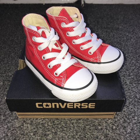 d8bf71aa0d1 Red converse Boots Size 5 Worn twice - Depop