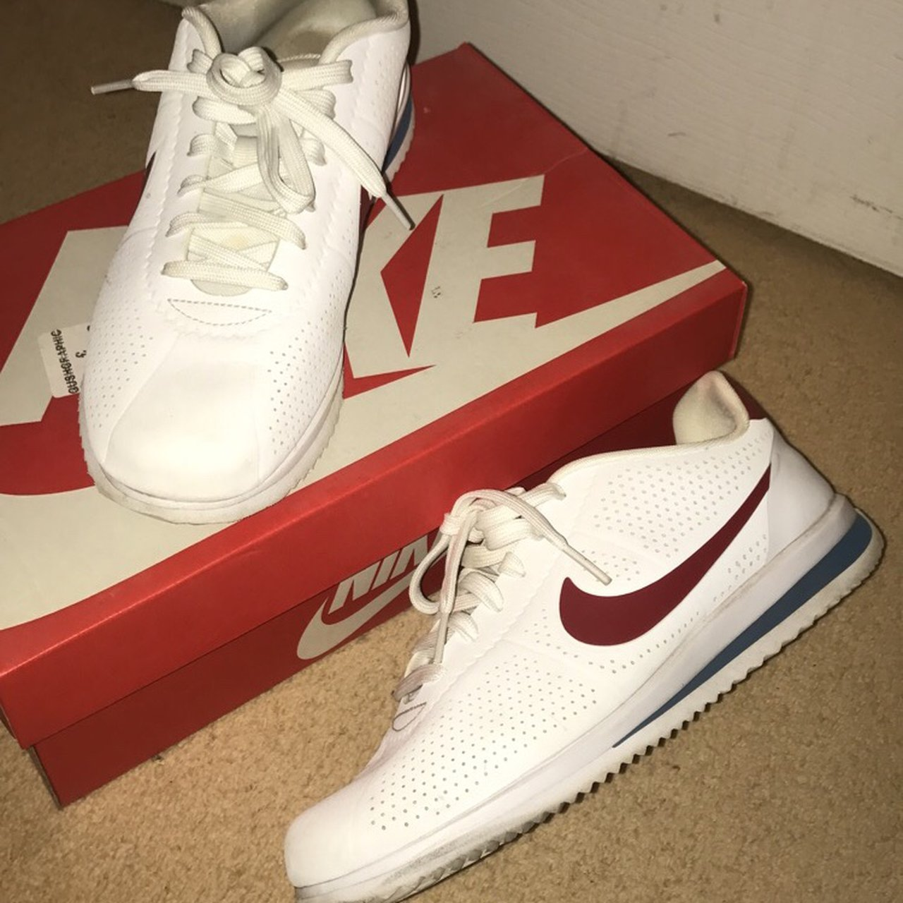 09acddb377fd White Nike Cortez trainers with red tick Worn a few times