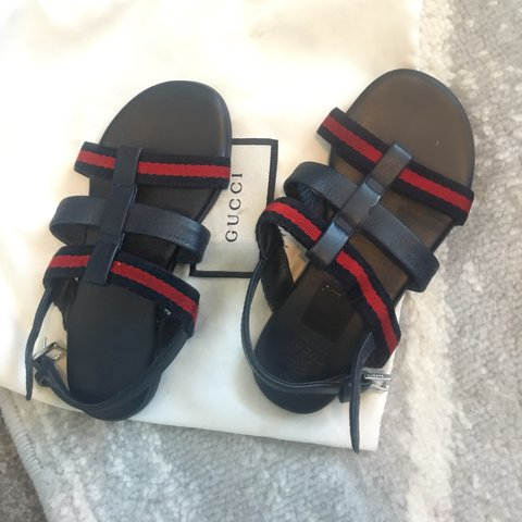 c85c7d3cb86de Gucci kids sandals size 6 authentic - Depop