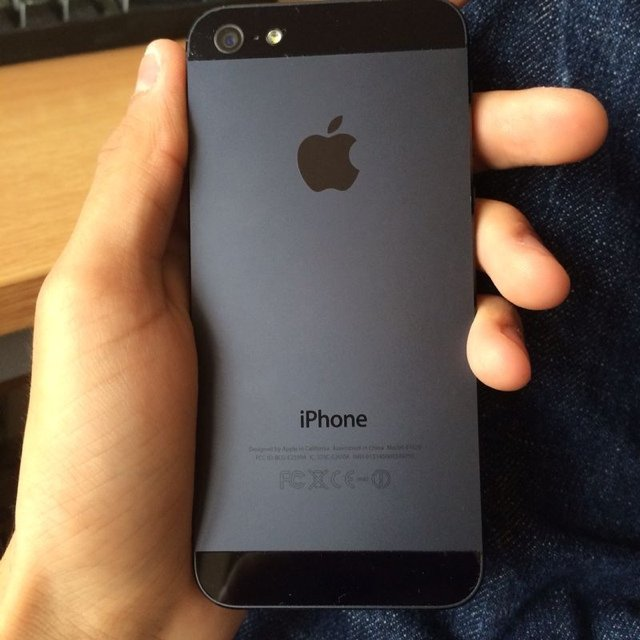 Apple IPhone 5 Space Grey 16GB Locked To O2 Very Good Condition Always Kept In A Case Fully Functional One Minor Problem Is The Earpiece Speaker Works