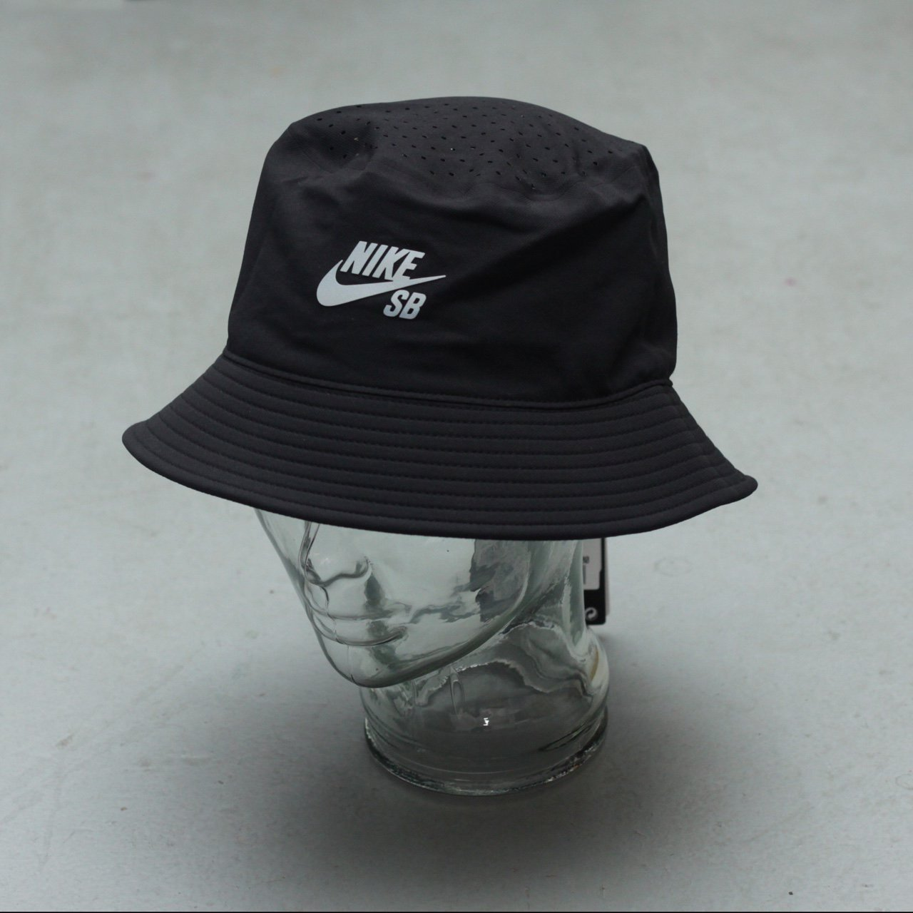 137306c208c Nike SB Performance Dri-Fit Bucket Hat - Black Silver - - - Depop