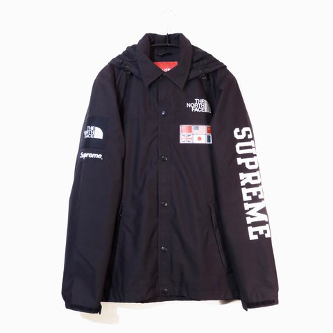 Supreme x The North Face   Black Expedition Jacket. 9 10 of - Depop b28990460