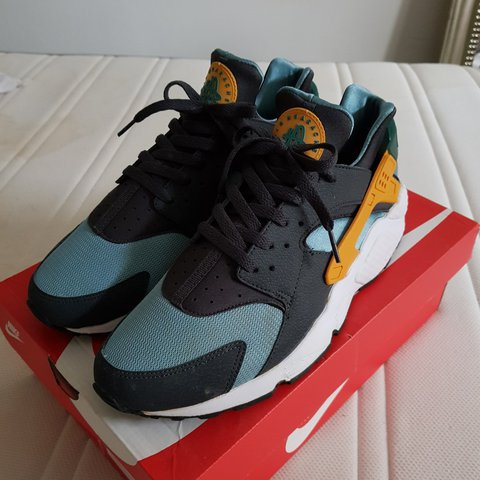 7bf3cfd9b4fe Nike Air Huarache Catalina. Very good condition. Only worn a - Depop